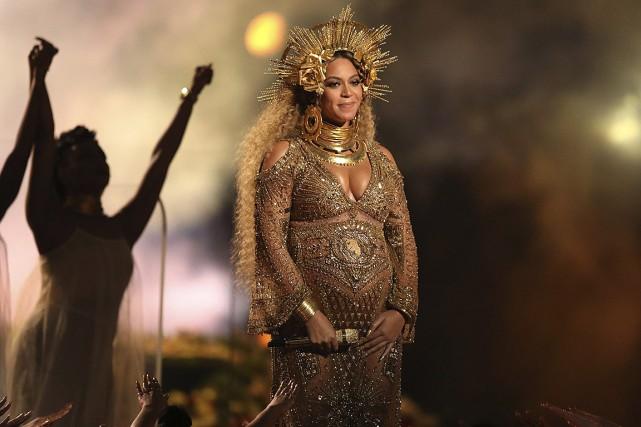 Beyoncé lors de sa performance à la cérémonie... (Matt Sayles, Invision, AP)