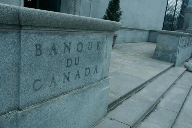 Des responsables de la Banque du Canada notent... (PHOTO ARCHIVES LA PRESSE CANADIENNE)