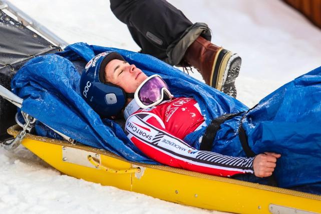 Marie-Michèle Gagnona dû être évacuée du parcours sur... (Photo Sergei Belski, USA Today Sports)