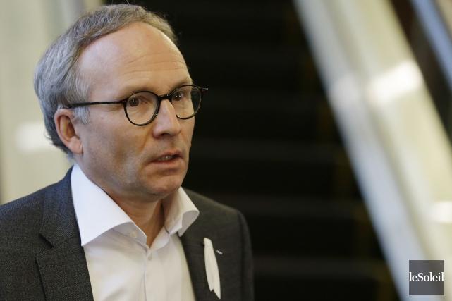 Le ministre de la Sécurité publique, Martin Coiteux... (PHOTO Pascal Ratthe, archives Le Soleil)