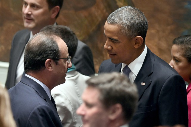 L'ancien président Barack Obama et son ancien homologue... (PHOTO TIMOTHY A. CLARY, ARCHIVES AGENCE FRANCE-PRESSE)
