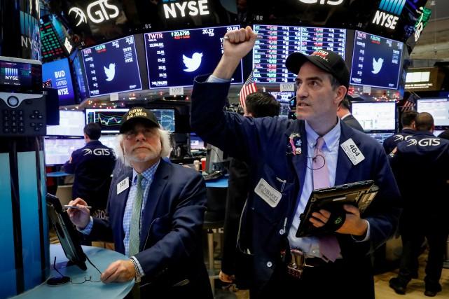 L'indice vedette de la place new-yorkaise, le Dow... (REUTERS)