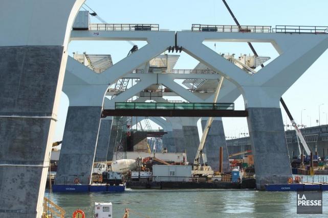 Le chantier du nouveau pont Champlain.... (PHOTO MARTINCHAMBERLAND, ARCHIVES LA PRESSE)