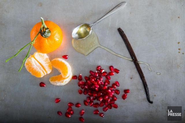 Une salade de clémentines et grenade, puis de pistaches à l'érable... (Photo Marco Campanozzi, La Presse)