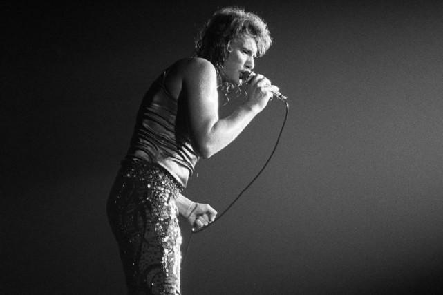 Johnny Hallyday en concert auPalais des sports, à... (photo archives agence france-presse)
