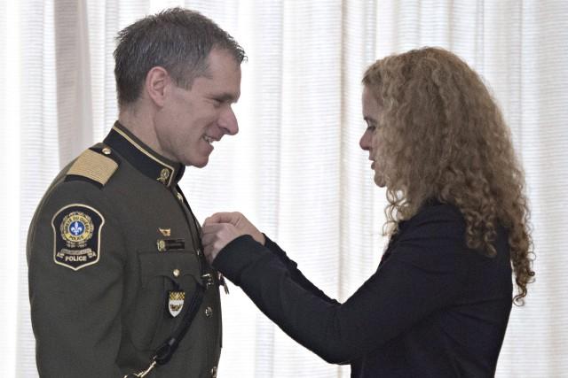La gouverneure générale Julie Payette a remis au... (Photo Jacques Boissinot, PC)