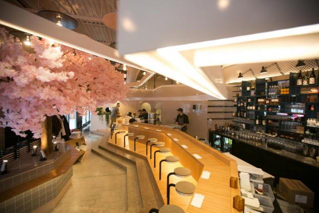 Le Blossom est impressionnant avec son faux cerisier... (Photo François Roy, La Presse)