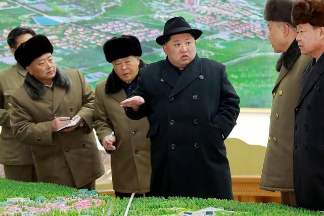 Les programmes nucléaire et balistique avec pour but... (PHOTO AFP/AGENCE DE PRESSE CENTRALE NORD-CORÉENNE)