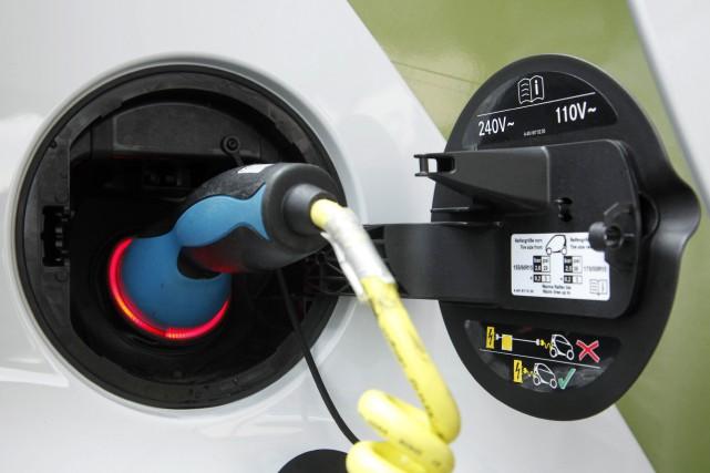 Le coût de possession d'une électrique --de chez... (photo AP)
