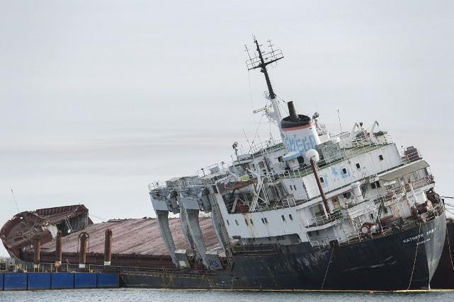 Le Kathryn Spiritsera entièrement décontaminé avant le début... (Photo Graham Hughes, La Presse canadienne)