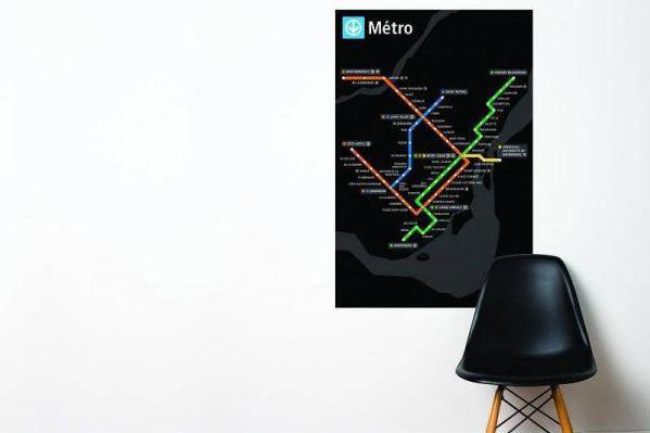Adhésif représentant le plan du métro en noir,... (Photo tirée du site de la boutique STM)