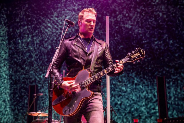 Josh Homme, leader du groupe Queens of the... (Photo Amy Harris, Invision/Associated Press)