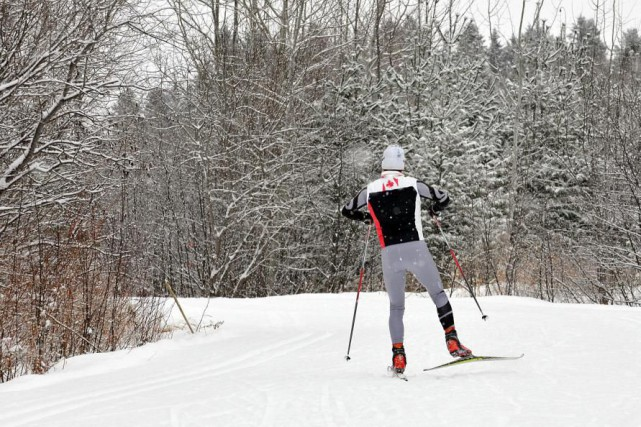 En ski de fond, il est essentiel de... (PHOTO ROCKET LAVOIE, ARCHIVES LE QUOTIEN)