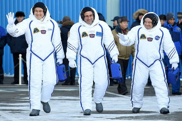L'astronaute japonais Norishige Kanai,le cosmonaute russe Anton Chkaplerov... (Kirill Kudryavtsev, archives REUTERS)