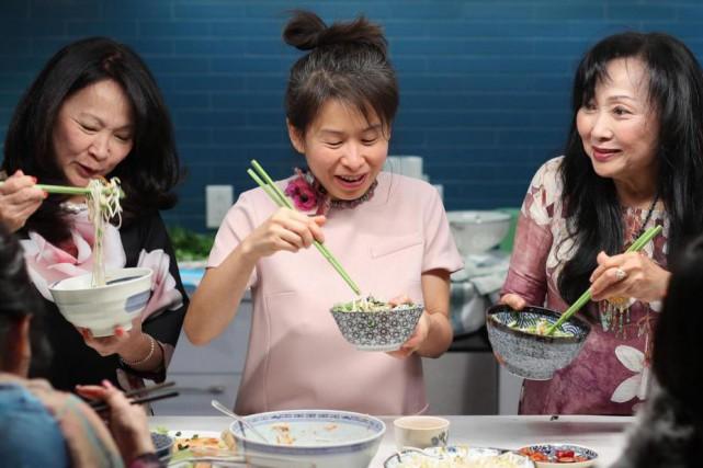 Dans la culture vietnamienne, faire à manger pour... (Photo Martin Chamberland, La Presse)