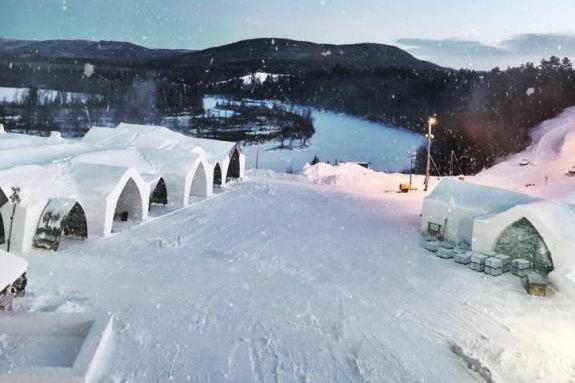L'Hôtel de glace ouvriras ses portes le 23... (PHOTO FOURNIE PAR L'HÔTEL DE GLACE)