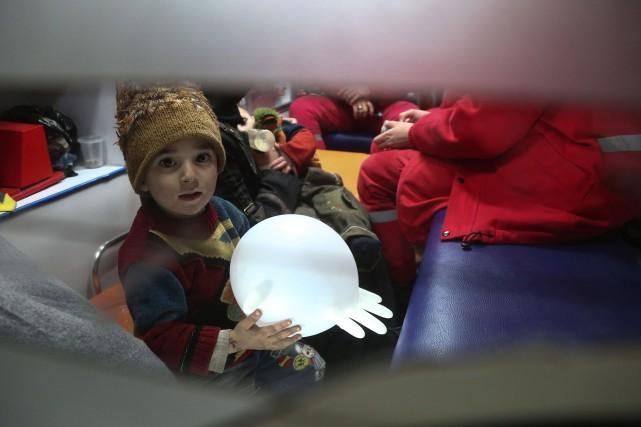 Dans la nuit de mardi à mercredi, quatre... (PHOTO Amer ALMOHIBANY, AFP)
