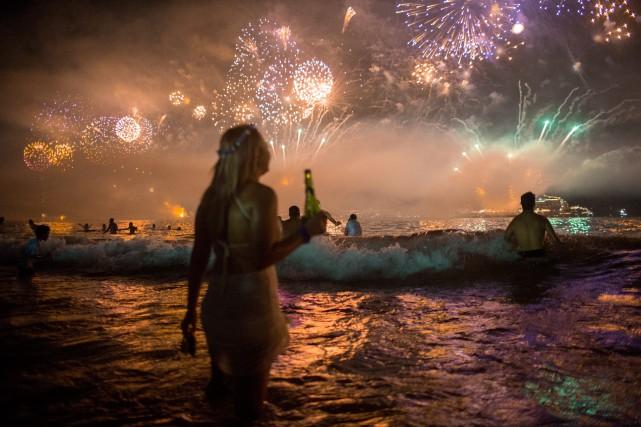 En plus des feux d'artifice, qui vont durer... (PHOTO ARCHIVES AP)