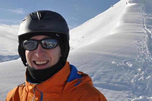 Hugo St-Onge, ambulancier de 24ans, est mort d'un... (PHOTO TIRÉE DE FACEBOOK)