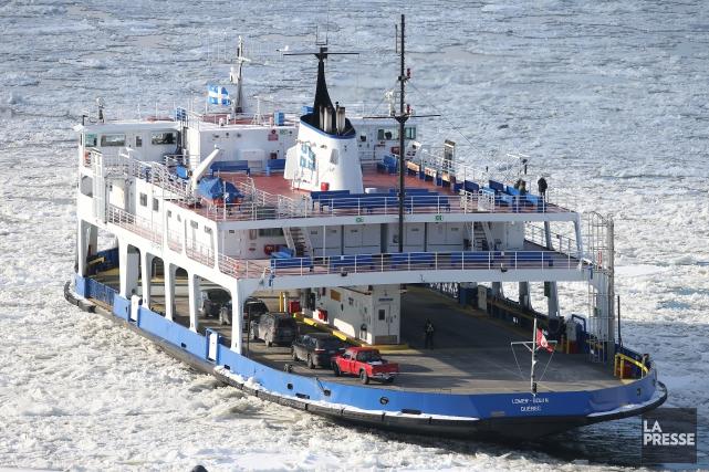 Les 24 passagers qui ont choisi le traversier pour rejoindre Québec à partir de... (Photo Martin Chamberland, archives La Presse)