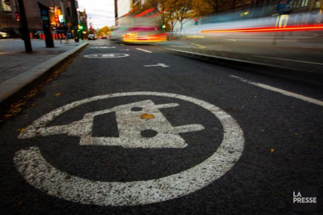 Une borne de voiture électrique... (Photo Olivier Jean, La Presse)