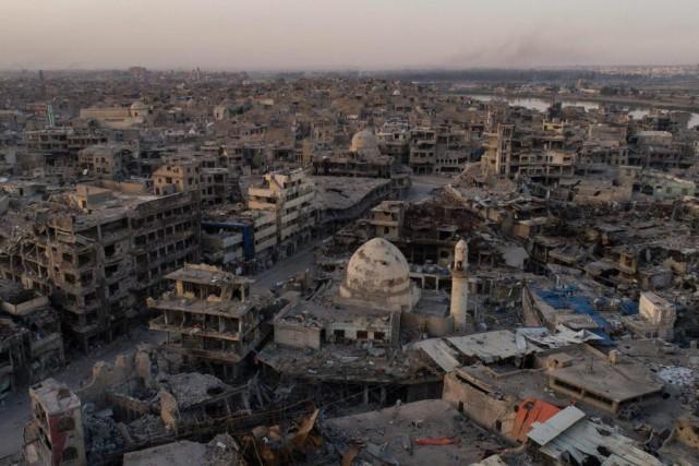 La ville irakienne de Mossoul, où se trouvait... (ARCHIVES AP)