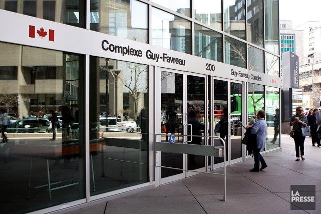Le CPE du Complexe Guy-Favreau se retrouvait devant... (SARAH MONGEAU-BIRKETT, ARCHIVES LA PRESSE)