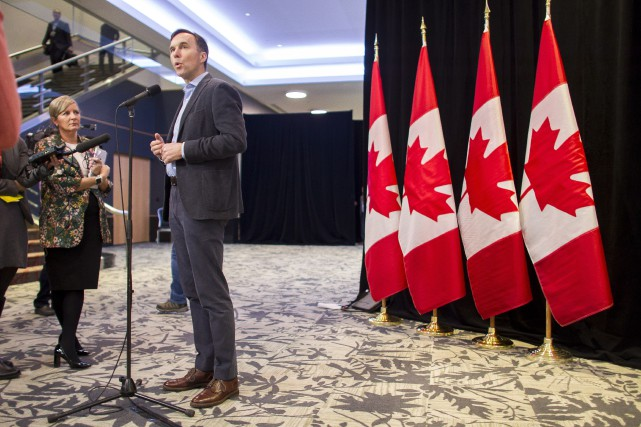 Le ministre des finances Bill Morneau a transmis discrètement... (Photo Geoff Robins, La Presse canadienne)