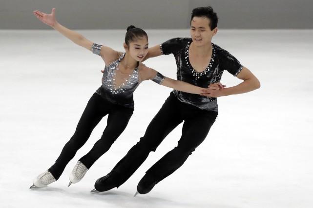 Ryom Tae-Ok et Kim Ju-Sik, de la Corée... (Photo Matthias Schrader, AP)
