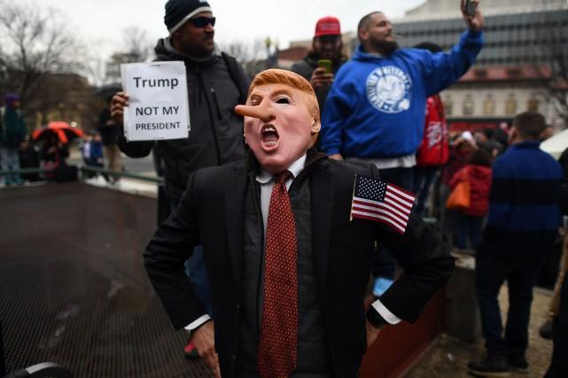nouvel ordre mondial   Abandon de poursuites visant 129 manifestants anti-Trump