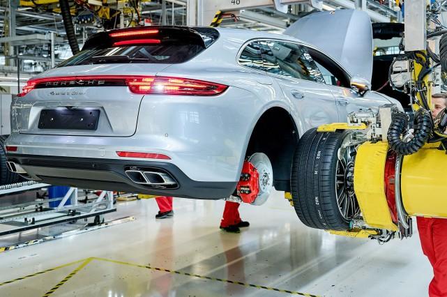 Le Panamera Sport Turismo. C'est comme ça qu'ils... (Photo : Porsche)