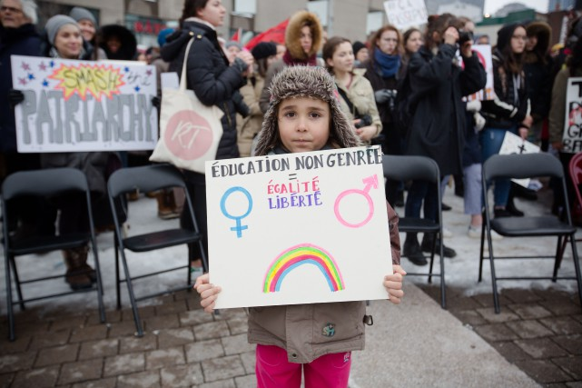 La manifestation a regroupé des jeunes filles de... (PHOTO NINON PEDNAULT, COLLABORATION SPÉCIALE)