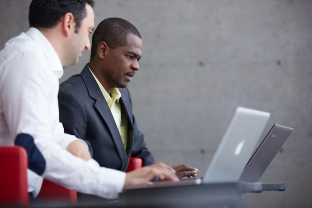 Grâce aux nouvelles technologies, suivre une formation universitaire à distance...