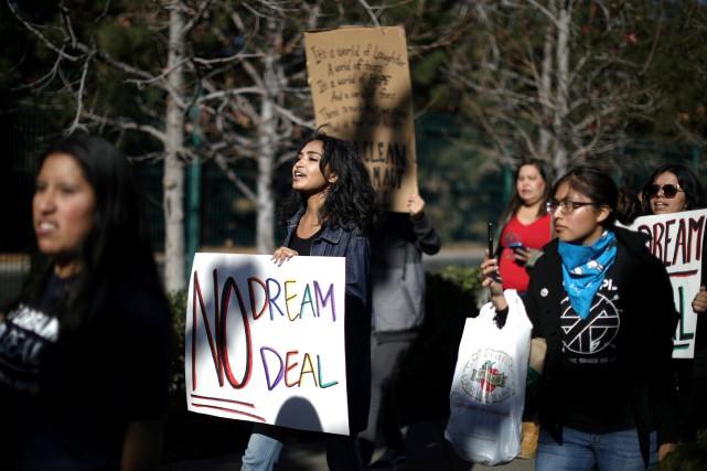 nouvel ordre mondial | Trump esquisse un compromis sur l'immigration
