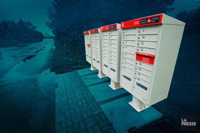 La décision de transférer tout le courrier résidentiel... (PHOTOMONTAGE LA PRESSE)