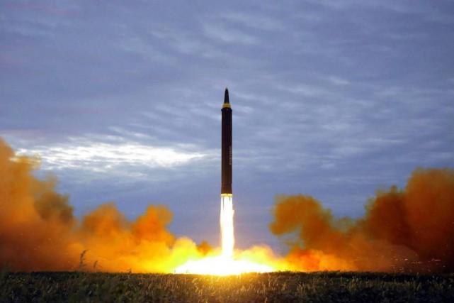 Selon des scientifiques atomistes, le président américain, par... (Photo Archives Associated Press)