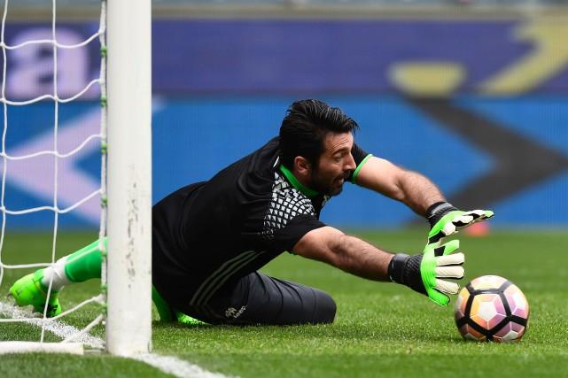 Gianluigi Buffon... (Photo Miguel Medina, archives AFP)