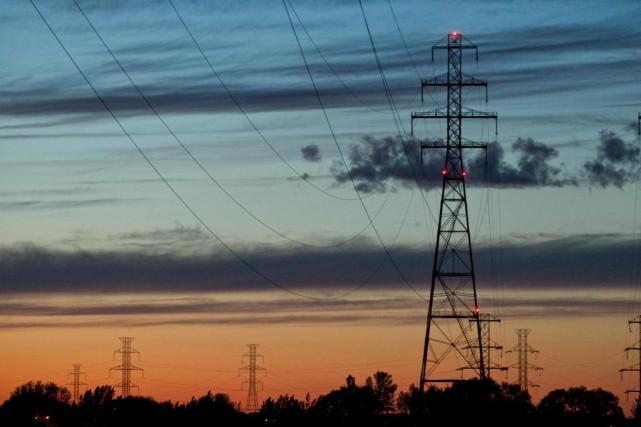Des lignes de transport électrique de 735 kV... (Photo Hugo-Sébastien Aubert, Archives La Presse)