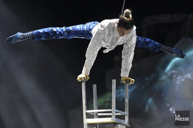 Le Cirque du Soleil s'apprête à se produire... (PHOTO BERNARD BRAULT, ARCHIVES LA PRESSE)