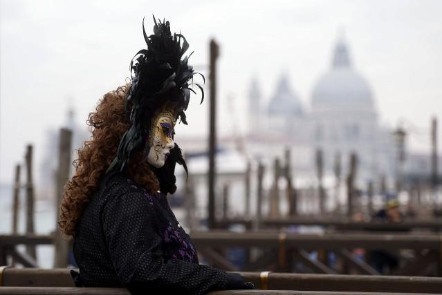 Cette édition du Carnaval de Venise «se veut... (Photo FILIPPO MONTEFORTE, AFP)