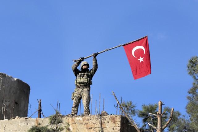 La Turquie mène depuis le 20 janvier une... (AP)