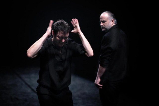 Sébastien Ricard et Hugues Frenette dans la pièce... (Photo Jean-François Hétu, fournie par l'Usine C)