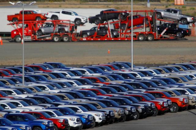 Des véhicules récemment assemblés en attente d'expédition dans... (photo : REUTERS)