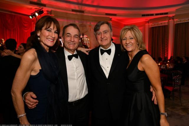 Kathleen Weil, Michael Novak, Lucien Bouchard et Solange... (Photo fournie par la Fondation)