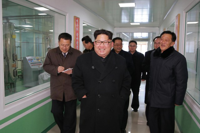 Le leader nord-coréen Kim Jong-un... (PHOTO ARCHIVES AFP/AGENCE KCNA)