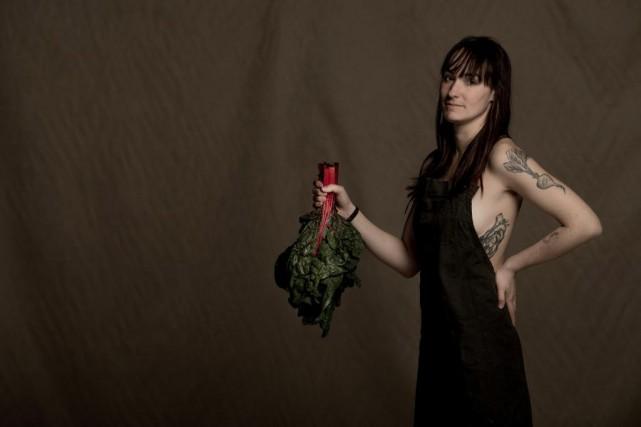 Alice est cuisinière au restaurant Le Diplomate. Elle... (Photo Martin Tremblay, La Presse)