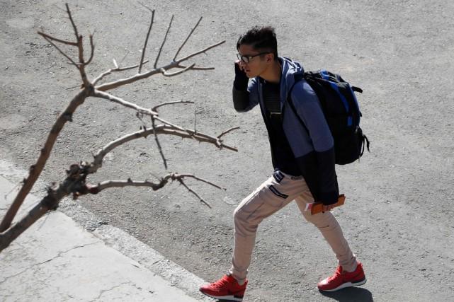 La fièvre du voyage touche un nombre croissant de jeunes Iraniens poussés par... (Photo AFP)