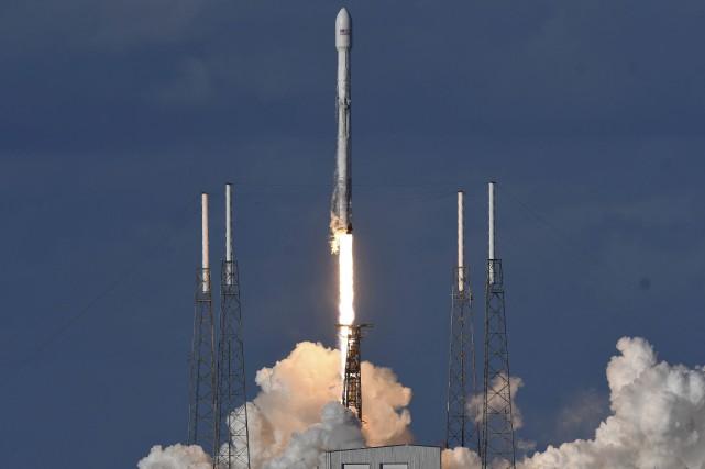 La fusée Falcon 9 de SpaceX a décollé... (Photo Craig Bailey, Florida Today)