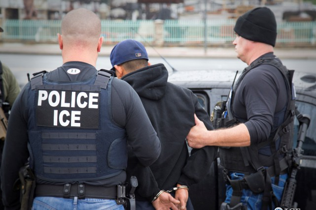 L'ICE a justifié cette nouvelle mesure par l'opposition... (PHOTO ARCHIVES REUTERS/Immigration and Customs Enforcement)