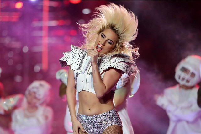 Des douleurs aiguës forcent Lady Gaga à annuler... (PHOTO ADREES LATIF, ARCHIVES REUTERS)